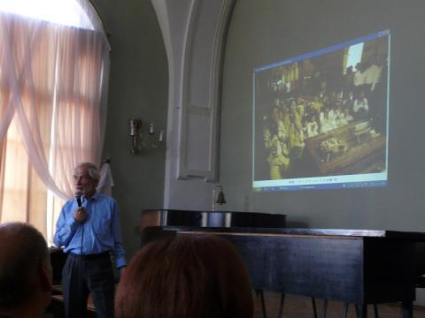 Wincenty Dończyk podczas prelekcji